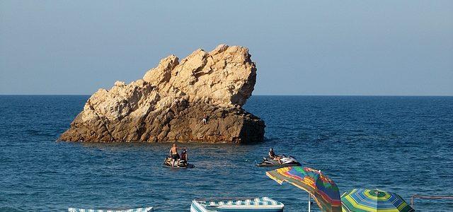 Aissa Hamada apprécie le tourisme balnéaire à Oran (les plus belles plages)