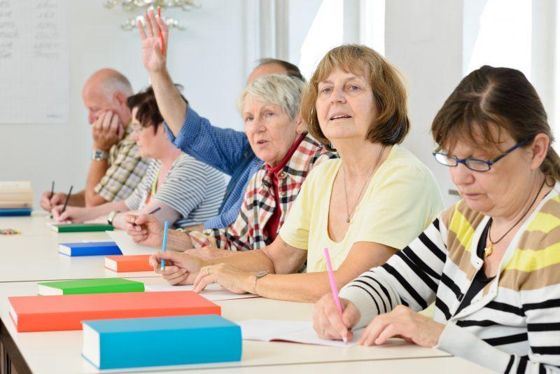 Reprendre les études après 60 ans