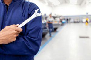 Garagiste à domicile : réparateur professionnel de voiture qui se déplace