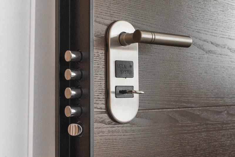 La verrouillage des portes est une des options à ne pas negliger pour bien sécuriser sa demeure